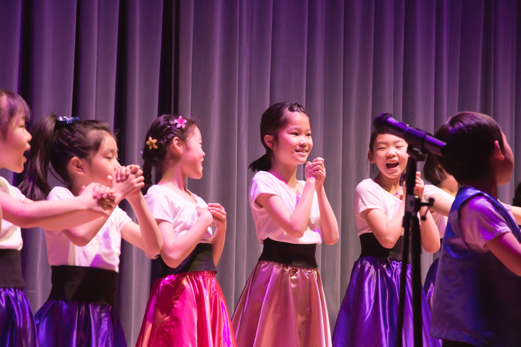 歌って踊って英語を伸ばそう! ミュージカルのススメ